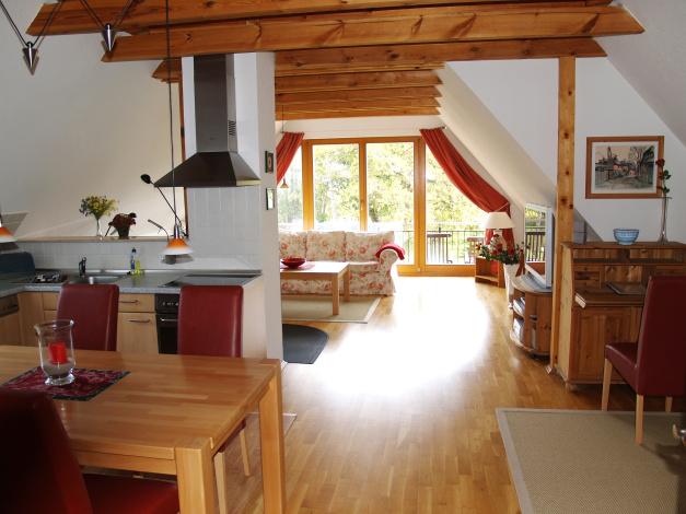 alteskapitaenshaus ferienwohnungen altes kapitaenshaus darss ahrensoop 80 qm. Black Bedroom Furniture Sets. Home Design Ideas